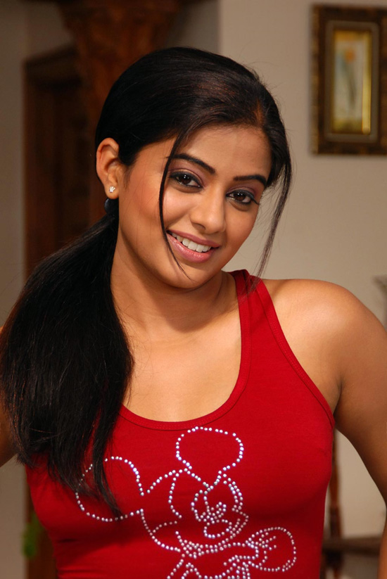 Priyamani's Malayalam First movie : Satyam 2004